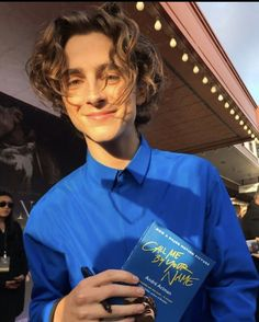 Timothee chalamet call me by your name book Beautiful Boys, Pretty Boys, Timmy T, Fine Men, Liam Payne, Aesthetic Pictures, Aesthetic Videos, Louis Tomlinson, Hot Boys