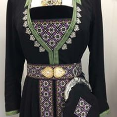 "image by Maria F. Skeie (@bunadsutstyr_maria) with caption : ""Mønster 22F2 i lilla #hardangerbunad #bunadsutstyr #vevdbringeduk #vevdfangbandogbelte #bunadsveske"" - 1526232254899466407 Most Popular Hashtags, Scandinavian Embroidery, Hardanger Embroidery, Folklore, Norway, Costumes, Beads, Tops, Crafts"