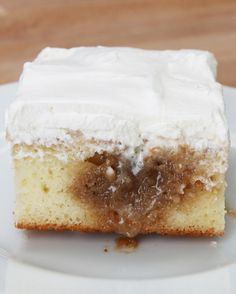Cinnamon Roll Poke Cake | This Cinnamon Roll Poke Cake Is So Delicious It's…