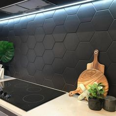 Love this hexagon splashback! An inexpensive and simple way to add visual interest to a kitchen Black splashback Love this hexagon splashback! An inexpensive and simple way to add visual interest to a kitchen Black splashback Kitchen Backsplash Designs, Kitchen Inspirations, Kitchen Flooring, Kitchen Remodel, Kitchen Splashback Tiles, Hexagon Tile Kitchen, Black Tiles Kitchen, Flooring, Modern Kitchen Design