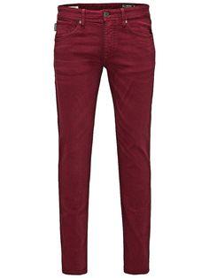 Jeans Intelligence - Hose von JEANS INTELLIGENCE - Slim fit - 5-Taschen-Stil - Low rise - Schmal geschnittene Oberschenkel und Skinny-Fit-Passform am Knie - Enger Beinabschluss - Eingriff mit Knopfverschluss - Das Modell trägt Größe 32/32 und ist 187 cm groß 98% Baumwolle, 2% Elasthan...