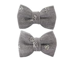 Adorable #bowtie hair clips made of fabric with spots of silver glitters. Approximately 2,5 x 4 cm, sewn on 3 cm snap clips.