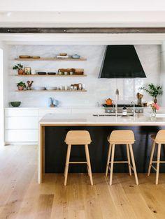 Sneak-A-Peek    Lauren's Warm Modern Kitchen - The Effortless Chic