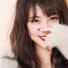 """この1年で、ドキッとするほど色っぽくキレイになった有村架純さん。ドラマや映画の撮影続きだった今年を振り返りつつ、仕事への情熱や心が温かくなるエピソードをお聞きしました!静かで熱い、役への思い「""""わからない""""が口グセだった1年だったように思い... Japanese Makeup, Japanese Beauty, Asian Beauty, Beautiful Japanese Girl, Beautiful Women, Asian Woman, Asian Girl, Keiko Kitagawa, Pretty Asian"""