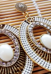 Brinco Oriente Branco- Earrings - Branco - Navy - Boho - Maxi - Indiano - Indian - Orienta - Gold - Dourado - Reveillon - Ano Novo - White