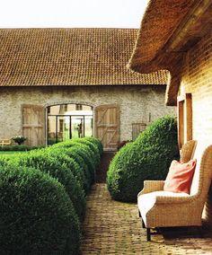 Verdigris Vie: Antiques in Belgium