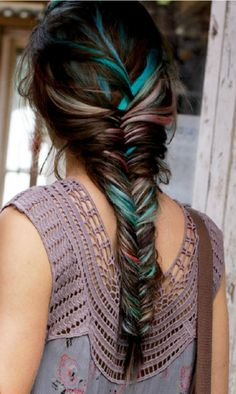 Cute braided hairstyles for spring and summer.  Photo Credits:1 | 2 | 3 | 4 | 5 | 6 | 7| 8| 9| 10