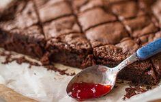 Recipe thumb akis petretzikis brownies me mpyra kai marmelada fraoula