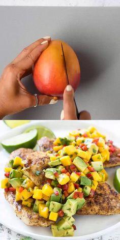 Mango Avocado Salsa, Mango Salsa Chicken, Mango Salsa Recipes, Avocado Salad Recipes, Healthy Salad Recipes, Easy Healthy Dinners, Salad With Mango, Mango Recipes For Dinner, Avocado Chicken