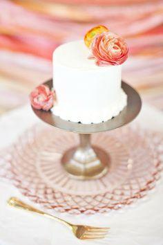 Availendar: Coral + Pink wedding cake