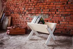 Easy way to keep the library in sight. Modl Furniture.