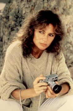 Todays ber-cool, ber-beautiful celebrity with an ber-cool camera: the beautiful JACQUELINE BISSET
