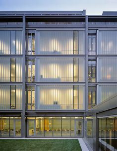 The northern façade of this French-language school is made of double-glazed channel glass from Bendheim Wall Systems.