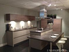 Keukens on pinterest met tes and welsh - Moderne keukenbank ...