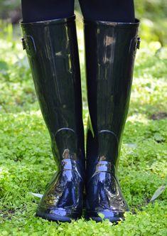 1000 MANERAS DE VESTIR: Igor shoes Primark, Rainy Outfit, Wellies Rain Boots, Rain Wear, Black Rubber, Trousers Women, Rubber Rain Boots, Latex, High Heels