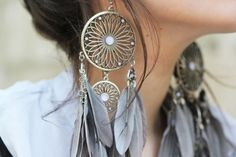 dream catcher earrings. love.