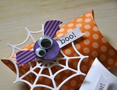 Simply Stamped Halloween treat pillow box...love the bat!