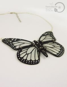 YLONA recycled CD butterfly necklace | Black and iridescent Monarch butterfly, with silver metal chain | Jewelry by Savousepate - pinned by pin4etsy.com #upcycling #recycling