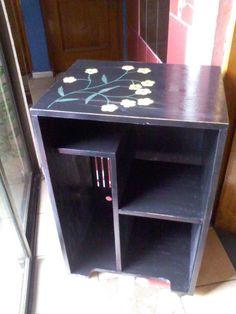 Mesa computación Corner Desk, Facebook, Furniture, Home Decor, Restoring Furniture, Mesas, Colors, Corner Table, Home Furnishings