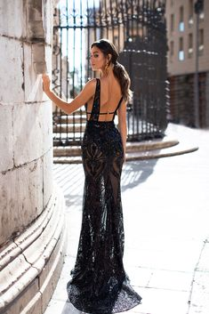 Elyse - Black - - Elyse – Black Patterned Sequins Gown with Plunge Neck & Open Back Source by ideallysassy Black Sequin Dress, Sequin Gown, Black Gowns, Pretty Dresses, Beautiful Dresses, Beautiful Evening Gowns, Glamorous Dresses, Evening Dresses, Formal Dresses