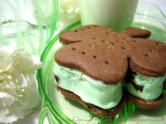 With a Grateful Prayer and a Thankful Heart: Minty Ice Cream Shamrocks (Taste of Home Recipe)
