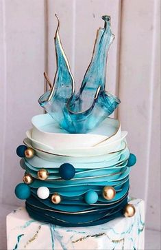 40 Elegant Wedding Cakes with Cupcakes and Flowers - The First-Hand Fashion News. - 40 Elegant Wedding Cakes with Cupcakes and Flowers – The First-Hand Fashion News for Females Source by - Country Wedding Cakes, Small Wedding Cakes, Summer Wedding Cakes, Square Wedding Cakes, Diy Wedding Cake, Buttercream Wedding Cake, Wedding Cakes With Cupcakes, Elegant Wedding Cakes, Beautiful Wedding Cakes