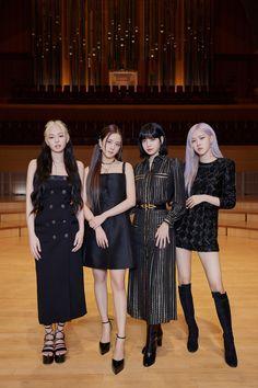 Kpop Girl Groups, Korean Girl Groups, Kpop Girls, Blackpink Fashion, Fashion Outfits, High Fashion, Jenny Kim, Mode Kpop, Black Pink Kpop