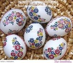 kraslice vzory에 대한 이미지 검색결과 Egg Crafts, Easter Crafts, Holiday Crafts, Diy And Crafts, Funny Eggs, Egg Shell Art, Easter Paintings, Easter Egg Designs, Ukrainian Easter Eggs