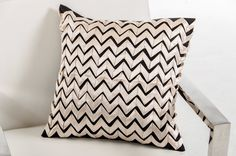 Modrest Ribbon Black and White Throw Pillow VGTTC04Product : 16649Dimensions :Pillow:18