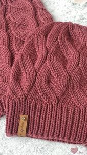crochet braids We knit a hat with a false braid pattern. Lace Knitting Patterns, Knitting Stitches, Knitting Designs, Baby Knitting, Knitting Wool, Knitting Socks, Knitting Needles, Diy Crafts Knitting, How To Start Knitting