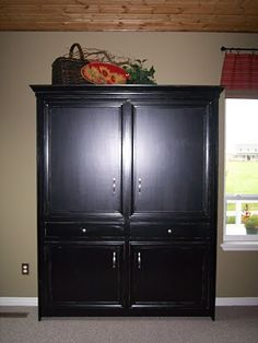 Murphy Bed made to look like an armoire!