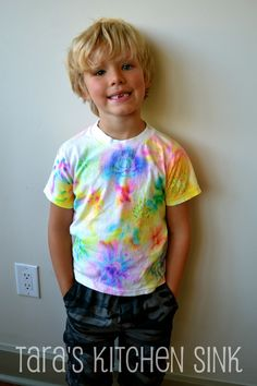 Camp Mom: Tie Dye with Markers... so easy!