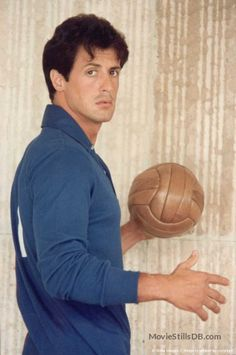 This is one of my favorite Sly pics yet! I found it when I searched Sylvester Stallone cute! Sylvester Stallone Young, Rocky Stallone, Rambo 3, Rocky Film, Beatles, Silvester Stallone, Rocky Balboa, Actrices Hollywood, The Expendables