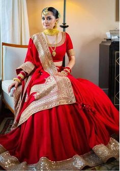 Indian Bridal Outfits, Indian Bridal Fashion, Indian Bridal Wear, Indian Fashion Dresses, Dress Indian Style, Indian Wear, Indian Bridal Couture, Indian Bride Dresses, Red Indian