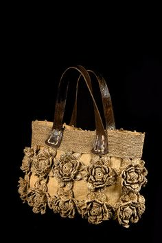 Collection So Famous - Soane So natural! Handmade Handbags, Leather Bags Handmade, Handmade Bags, Crochet Handbags, Crochet Purses, Crochet Bags, Leather Embroidery, Art Bag, Jute Bags