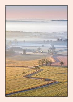 Misty dawn, Vale of Pewsey, Wiltshire, England (by Philip Selby on Flickr)