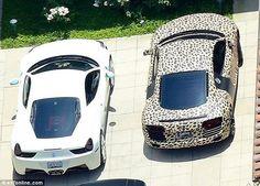 Chiếc Audi R8 Spyder đời 2014 có họa tiết da báo dường như là thành viên mới nhất trong garage của Justin Bieber. Bên cạnh chiếc Audi R8 Spyder da báo là chiếc Porsche 997 quen thuộc.