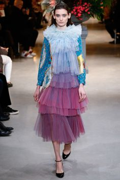 Viktor & Rolf Spring 2017 Couture Fashion Show Collection