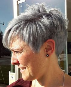 Short Hairstyles For Thick Hair, Short Grey Hair, Short Pixie Haircuts, Pixie Hairstyles, Short Hairstyles For Women, Easy Hairstyles, Curly Hair Styles, Layered Haircuts, Medium Hairstyles