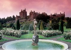 Drummond Castle - I feel very fortunate that I can see the top of this castle from my living room window in Crieff, Scotland. Beautiful World, Beautiful Gardens, Beautiful Places, Amazing Places, Places To Travel, Places To See, British Garden, Italian Garden, Garden Park