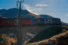 on the viaduct in Cinuos-chel Train, Mountains, House Styles, Nature, Naturaleza, Trains, Bergen, Scenery