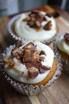 Tis the season: Pumpkin Cupcakes with Maple Frosting