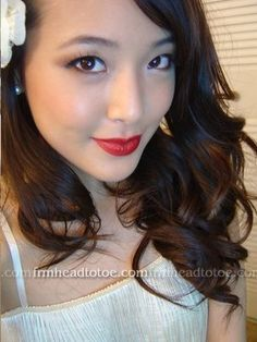 Lookie! Frmheadtotoe does red lips!