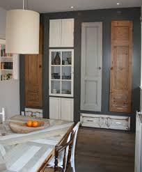 Afbeeldingsresultaat voor kastenwand van oude kasten Game Room, Kitchen Cabinets, Home And Garden, Windows, Doors, Living Room, Mirror, Bedroom, Storage