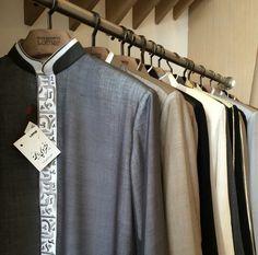 Lomar Thobe rack Arab Men Fashion, Mens Fashion Suits, Islamic Clothing, Historical Clothing, Thobes Men, Pakistani Kurta, Kurta Patterns, Formal Shirts For Men, Muslim Men