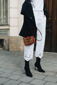 sock-boots-trend-2017-herbst-winter-schwarze-socken-stiefeletten-mango-streetstyle-blogger-nina-schwichtenberg-fashiioncarpet