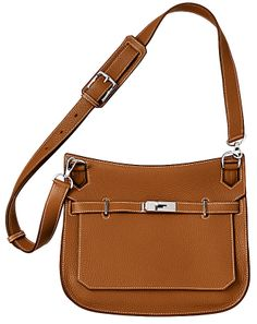 Hermes Jypsiere bag in tan (gold) leather. Front view.