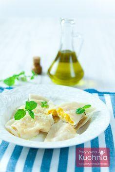 Pyszne pierogi z dynią, alternatywa dla ruskich :). http://pozytywnakuchnia.pl/pierogi-z-dynia/  #food #kuchnia #przepis #obiad #pierogi #dynia