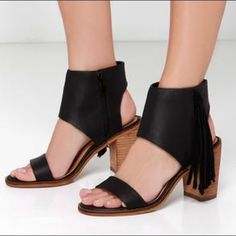 Very volatile black fringe ankle cuff sandals . In good condition, only worn a few times. Genuine leather. Fits pretty try to size I'm a 7/7.5 they fit me great. NO TRADES DO NOT MAKE AN OFFER THAT IS HALF THE PRICE OF THE LISTING IT'S RUDE Shoes Sandals