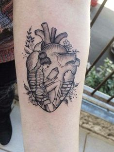 Find images and videos about heart, tattoo and books on We Heart It - the app to get lost in what you love. Dreieckiges Tattoos, Trendy Tattoos, Love Tattoos, Body Art Tattoos, Small Tattoos, Tattoos For Women, Ankle Tattoos, Sister Tattoos, Arrow Tattoos